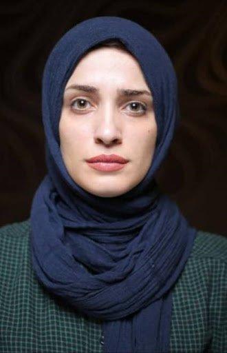 گلهی «فاطمه زندی» رئیس انجمن هنرهای نمایشی نوشهر از مدیران هنری عرصهی تئاتر
